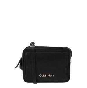 Calvin Klein Taška cez rameno 'ASSORTED XBODY'  čierna